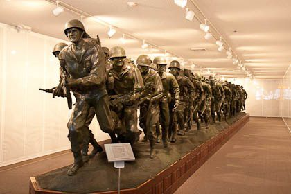 Veterans-Museum-50-Men-Hoppe_